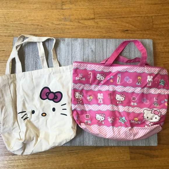 1daa5590a528 Bundle of 2 Hello Kitty tote bags. M 5ab011f63316273636a6a572